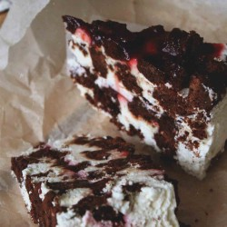 Торт Малиновый Брауни